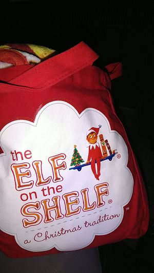 Elf on the shelf tote with plush throw for Sale in Puyallup, WA