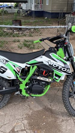 250 dirt bike for Sale in Anderson,  SC