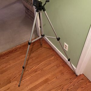 Camera tripod for Sale in Chesterfield, VA
