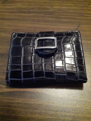 Stronghold wallet for Sale in East Peoria, IL