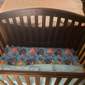 baby crib + mattress + side protector for Sale in Chula Vista, CA