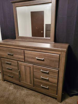 dresser/ headboard for Sale in Wichita, KS