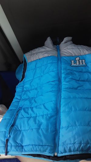 Official NFL LIII super bowl puffer women's vest size large for Sale in Forest Heights, MD