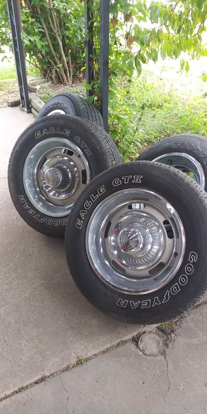 Chevy rally rims with good thread tires for Sale in Elyria, OH