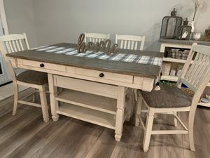 Ashley dining table w/6 chairs and matching side shelf for Sale in Hesperia, CA