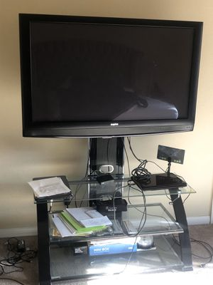 Sanyo 50 inch TV (tv stand included) for Sale in Las Vegas, NV