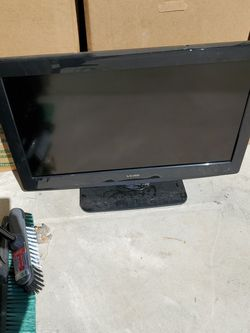 """Viore 32"""" 720p LCD TV for Sale in Bruceville,  TX"""