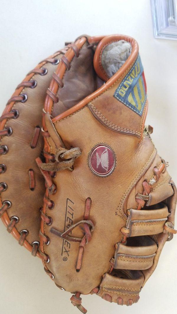 Mizuno MT3045 baseball 1st base glove