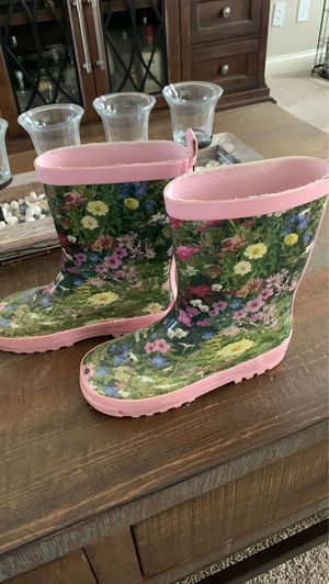 Girls rain boots for Sale in Pekin, IL