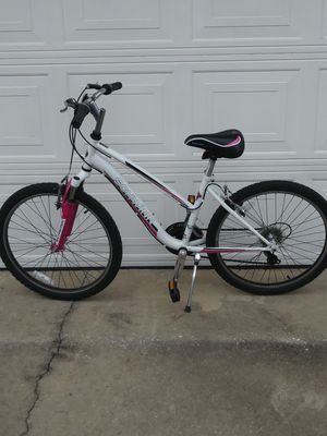 Schwinn 24inch Mountain bike for Sale in Orlando, FL