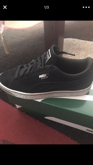 Black and silver Pumas for Sale in Detroit, MI