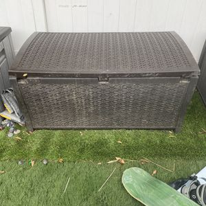 Deck Box for Sale in Los Angeles, CA