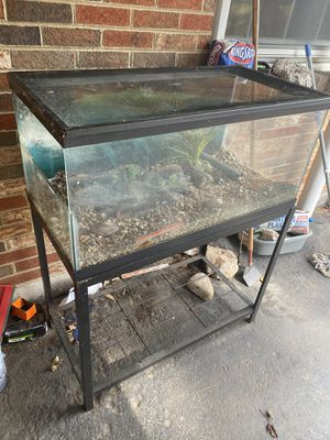 Half tank fish/reptile tank with tall Stand for Sale in Nashville, TN