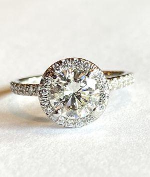Genuine 1.38ctw Diamond halo platinum ring for Sale in Bellevue, WA