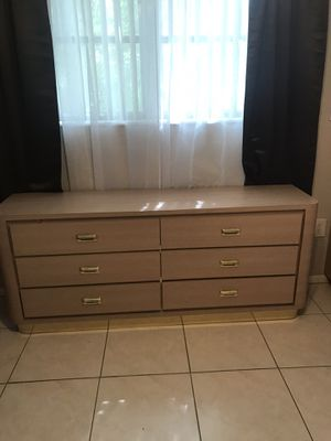 Bedroom furniture for Sale in Pembroke Pines, FL