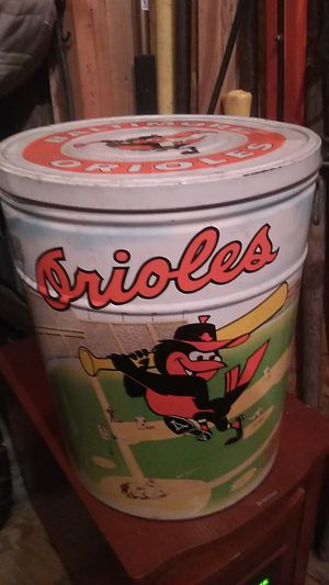 1983 Orioles World Series Champions large tin with handles for Sale in Columbia, PA