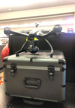 Yuneec Typhoon Q500 4K Drone with all Accessories and Hard Travel Case for Sale in Tacoma, WA