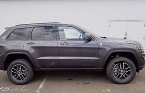 2017 Jeep Grand Cherokee Trailhawk MINT for Sale in Silver Spring, MD