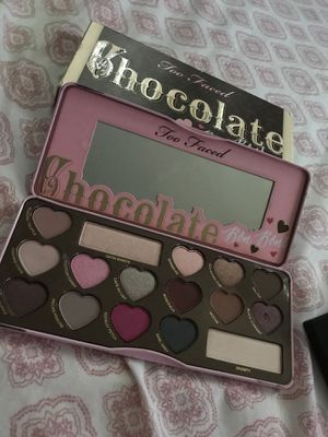 Too faced bon bon palette for Sale in Oxon Hill, MD