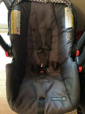 Graco Snugride 30 infant car seat and base! for Sale in Humble, TX