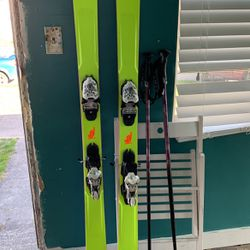 Skis And Poles for Sale in Seattle,  WA