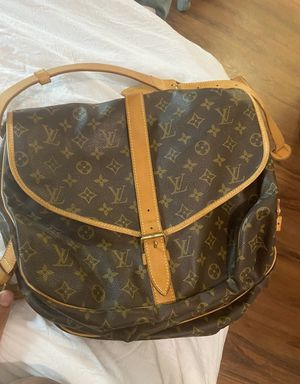 Authentic Louis Vuitton bag for Sale in Lewis Center, OH