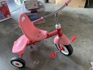 Radio Flyer Pink Bike & Minnie Mouse Helmet for Sale in San Jose, CA