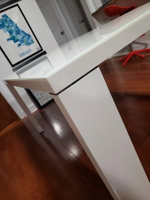 Modern White Glass Table for Sale in Chicago, IL