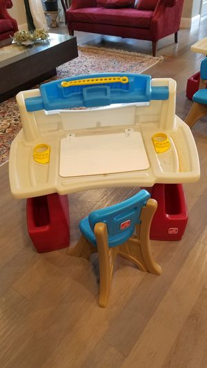 Step2 Deluxe Art Master Kids Desk for Sale in McKinney, TX
