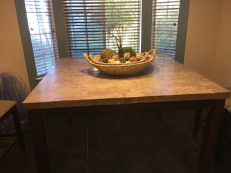 Table  for Sale in Kingsburg, CA