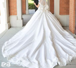 Wedding dress size small & medium Like New for Sale in Sterling Heights, MI