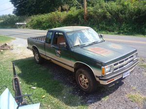 S10 4x4 pick up for Sale in Lynchburg, VA