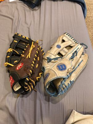 both gloves of my gloves for Sale in Brainerd, MN