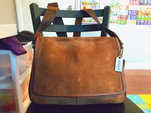 Crossbody Genuine Leather Messenger Bag (COACH) for Sale in San Diego, CA