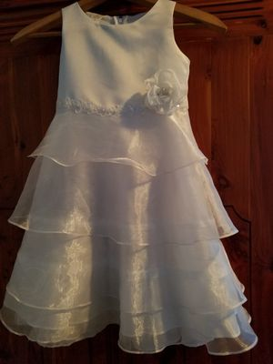 Size 4 flower girl dress. for Sale in Raleigh, NC