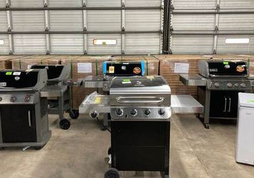 Webber barbque pits E5 for Sale in Houston,  TX
