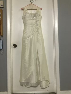 Wedding dress with veil for Sale in Tamarac, FL