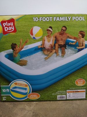 PLAYDAY 10 FOOT LONG FAMILY SWIMMING POOL 120 IN X 72 IN X 22 IN for Sale in San Diego, CA