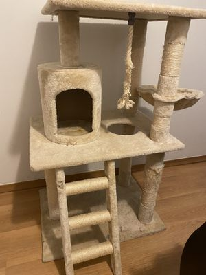 Cat tree for Sale in New Baltimore, MI