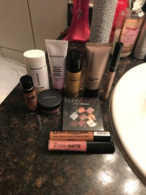 Makeup 💄 for Sale in Chandler, AZ