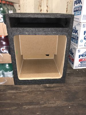 """KICKER L7 15"""" VENTED BOX ALMOST NEW for Sale in Berwyn Heights, MD"""