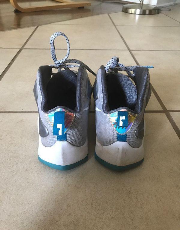 Nike Lebron 13 Spacerace