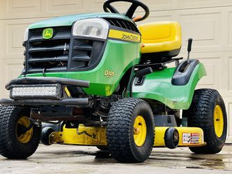 2015 John Deere Riding Lawn Mower D105 Auto for Sale in Katy,  TX