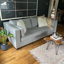 Light Grey Modern Sofa Free Delivery for Sale in Shoreline,  WA