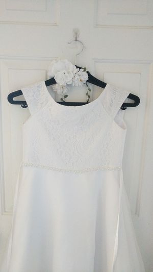 White flower girl dress with flower headband for Sale in Henderson, NV