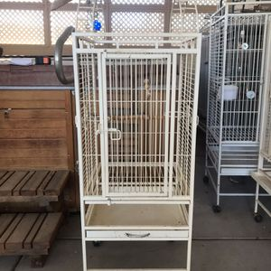 8 Bird Cages with Accessories for Sale in Las Vegas, NV