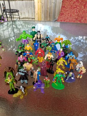 Batman Ninja Turtles action mini figures lot 4 for Sale in Toledo, OH