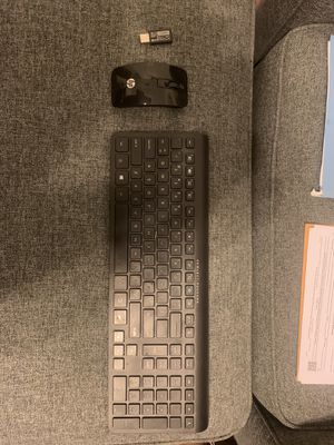 HP wireless keyboard and mouse for Sale in Laredo, TX