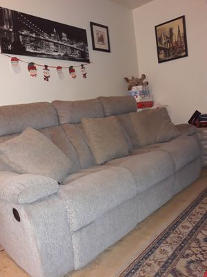 Beautiful Reclining Couch for Sale in Chino Hills, CA