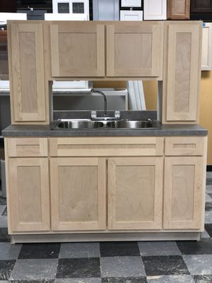 Kitchen cabinets( Real wood) for Sale in Anaheim, CA